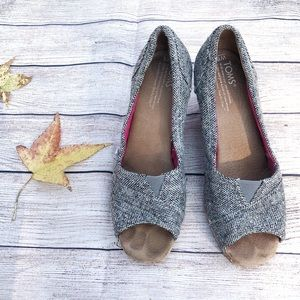 Toms Classic Tweed Wedge Pump with Pink Lining